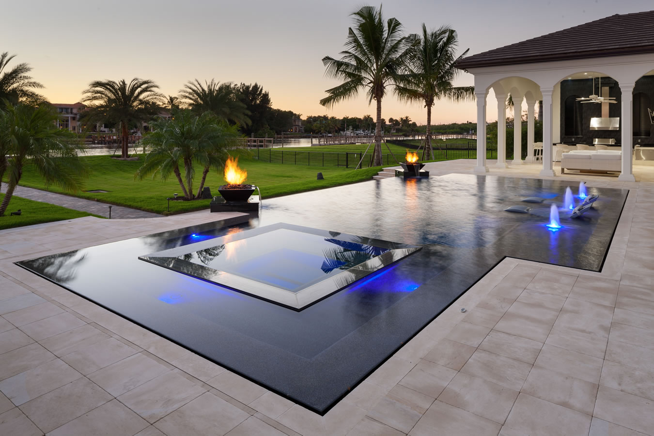 Overflow swimming pool design home design ideas for Overflow pool design
